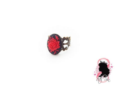 Antique Bronze and Red Rose Ring